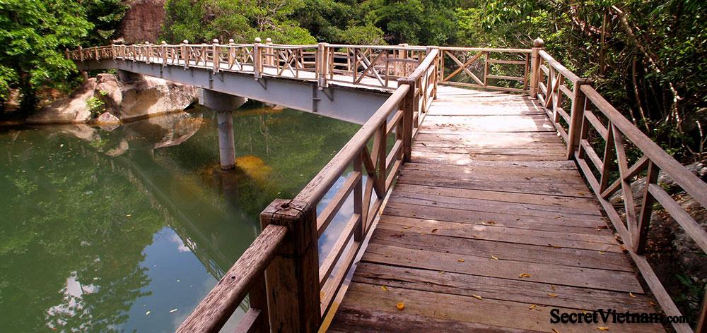 Ba Ho Falls