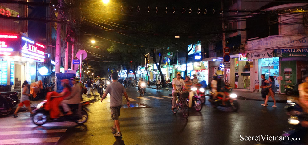 Bui Vien Street for the travel backpacker to Vietnam