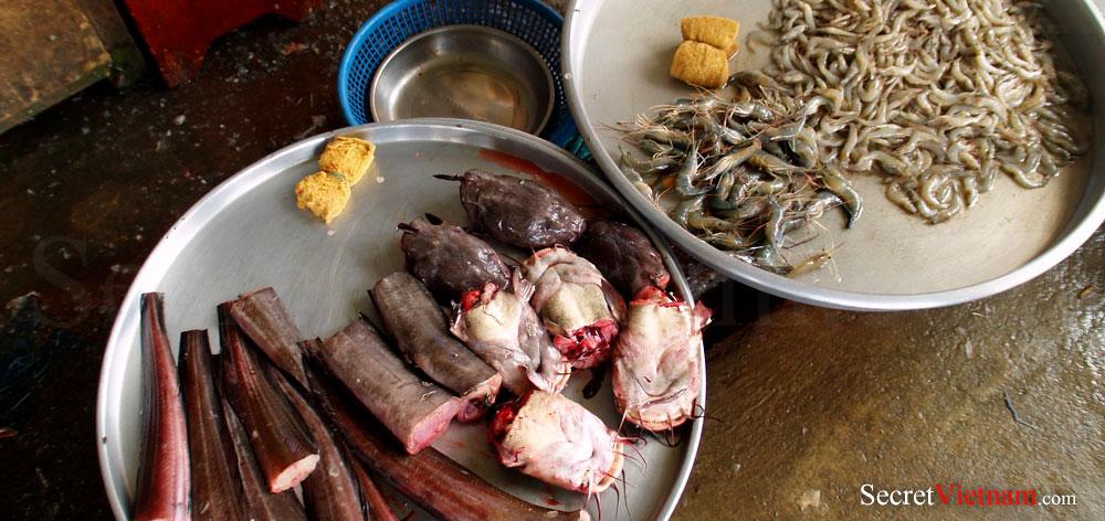 Cho Gao Floating Market