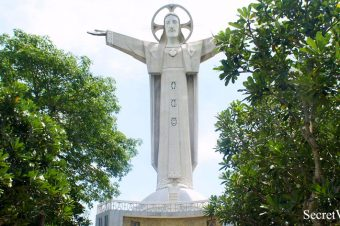 Christ of Vung Tau, Statue of Jesus