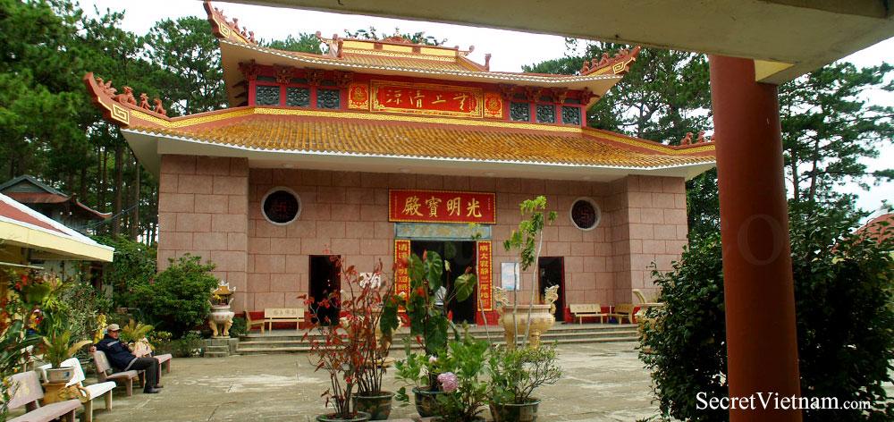 Chua Tau Temple
