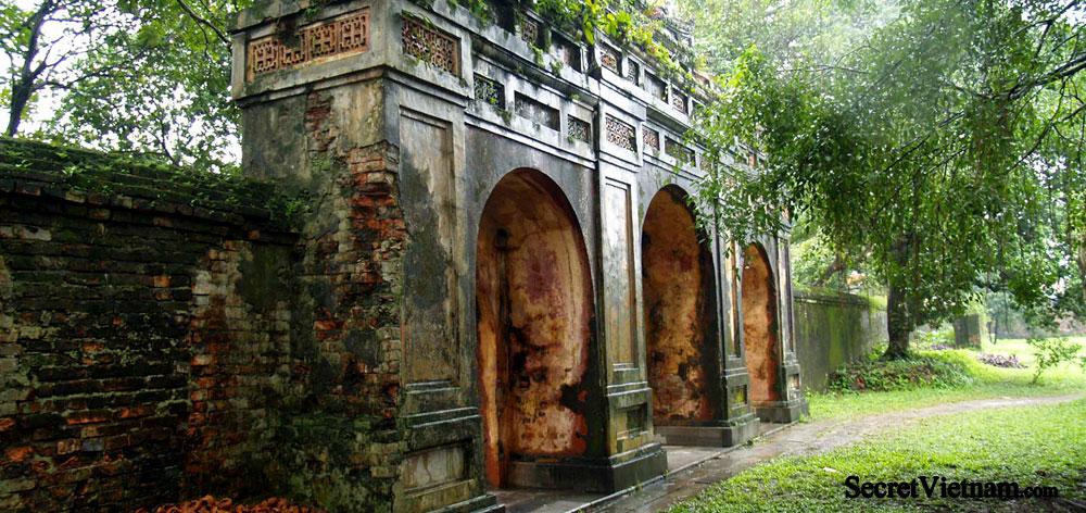 Dien Phung Tien Temple