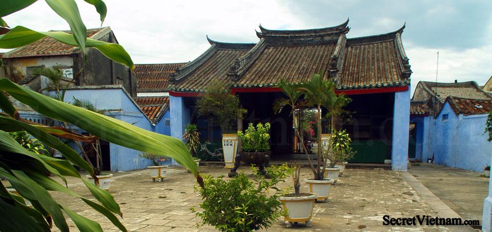 Hoa Van Le Nghia Temple