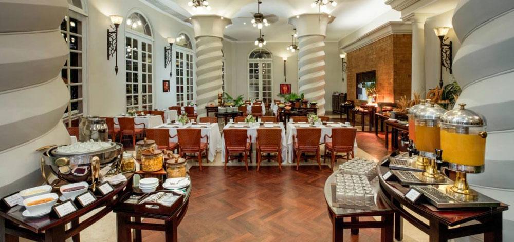 Imperial Restaurant at Sunrise Nha Trang Beach Hotel & Spa