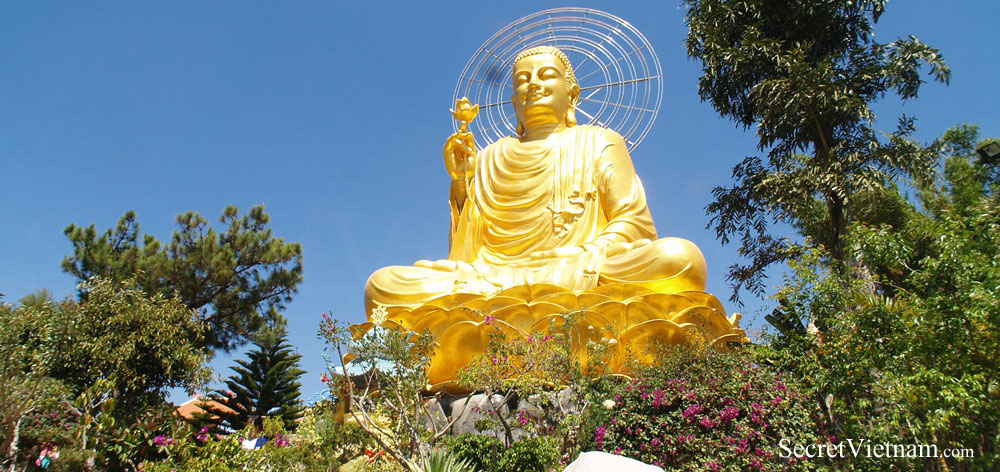 The Large Statue Of Golden Buddha (Van Hanh Pagoda)