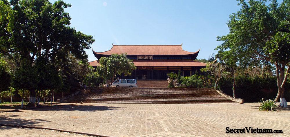 Linh An Tu Temple