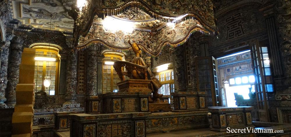 Thien Dinh Palace, Khai Dinh Tomb