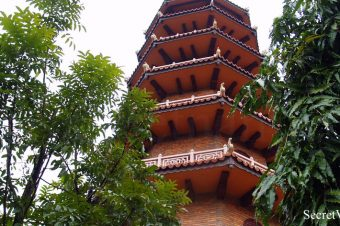 Tu Dam Pagoda, one of the biggest and oldest pagodas