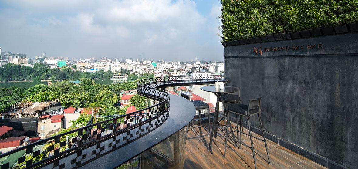 Diamond Sky Bar - The Rooftop of Hanoi