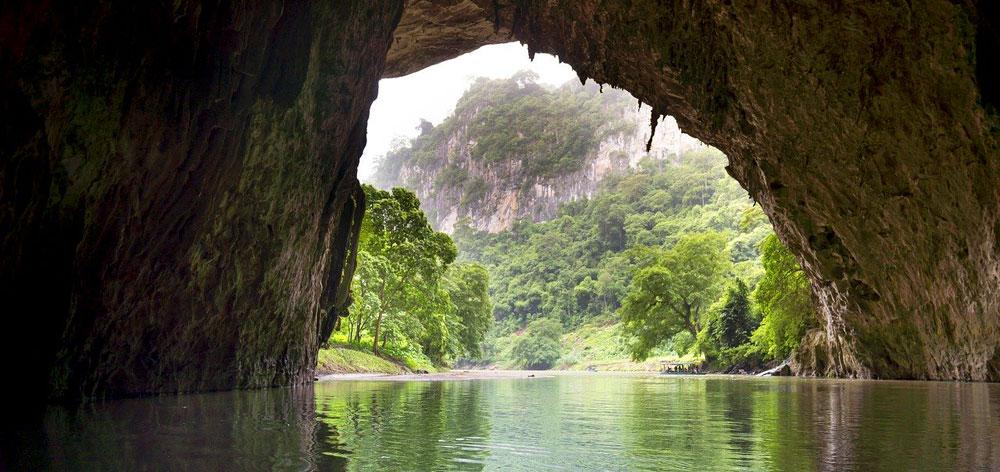 En Cave Vietnam