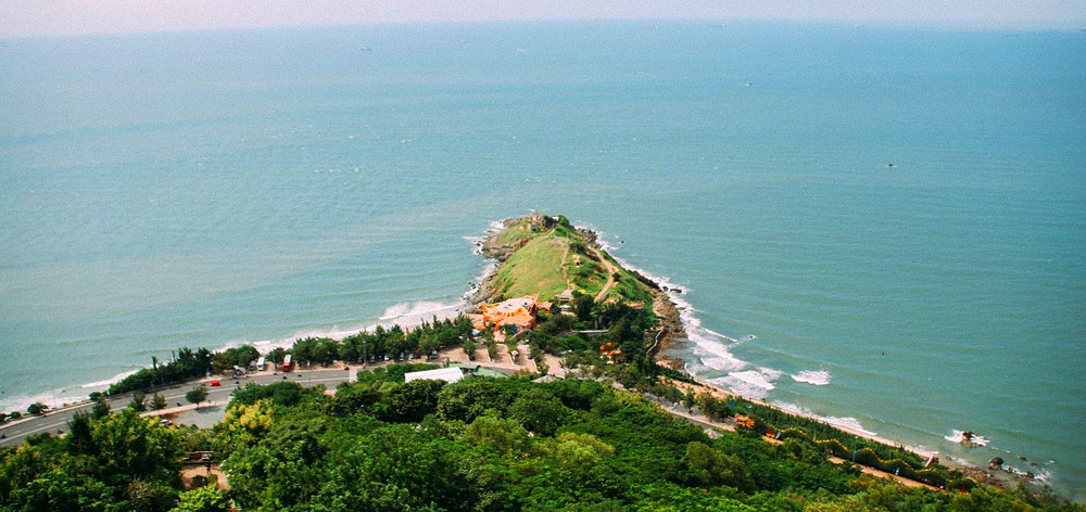 Nghinh Phong Cape