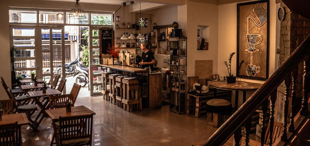 Brew and Breakfast - Restaurant & Hostel