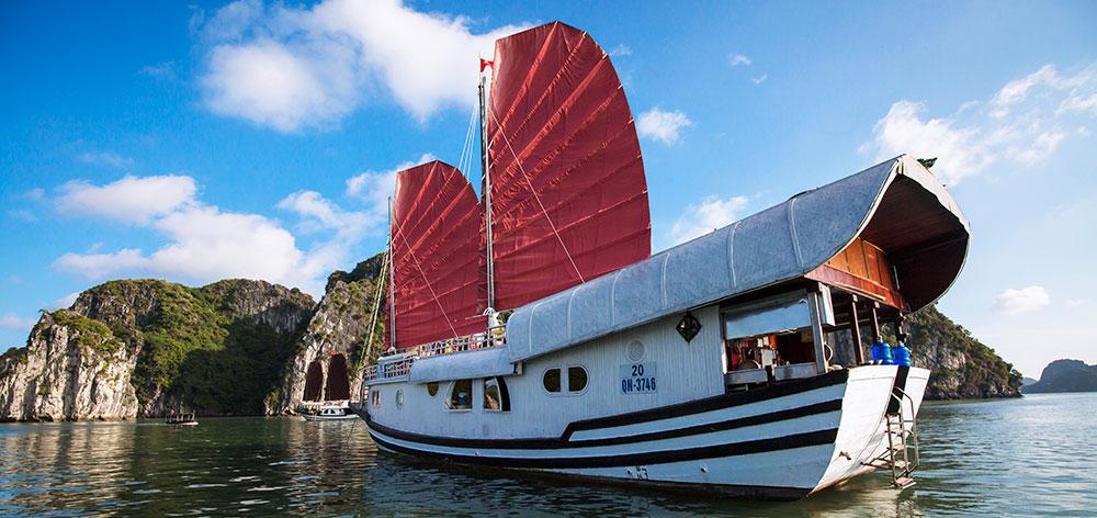 Dragon Bay Cruise